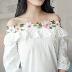 刺繍ブラウス☆刺繍トップス☆花柄刺繍☆刺繍フリルトップス☆