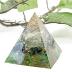 ピラミッド型Ⅱ オルゴナイト フローライト&エメラルド 夢の実現