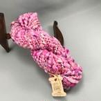 Mt7) いろいろピンクの手つむぎ糸