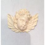 象牙色の樹脂製 天使のブローチ
