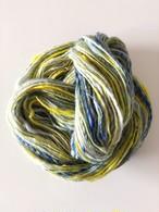 【手紡ぎ糸 a-33】手の温もりを味わう手紡ぎ糸。 メリノウール100%