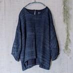 チェンマイ 藍染め手織りのパフスリーブプルオーバー