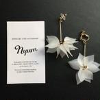 【ピアス/イヤリング】花びらのボンボンピアスorイヤリング ホワイト