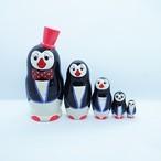 再入荷【ロシア】 帽子をかぶったペンギンのマトリョーシカ (赤) 12.5cm
