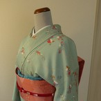 正絹綸子 スプレイグリーンに花木の柄の小紋 袷の着物