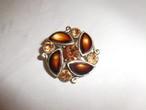 茶色のブローチ(ビンテージ) vintage brooch (brown color)