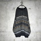 [used] symmetry design knit