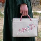 タブレットポーチ「流れ花 ピンク」手刺繍