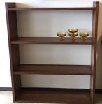 古い無垢材の組立式本棚