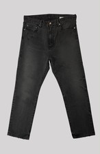 BROKEN BLACK  STRAIGHT LEG<TRIPLE DOUBLE>
