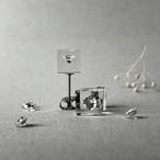 キュービックジルコニア 耳元に浮かぶピアス シルバーカラー(ギフト, 誕生日プレゼント, ギフトラッピング, 結婚式, お呼ばれ)