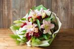 【プレゼントにぴったり】花束/ユリのブーケ