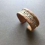 竹細工と革のアクセサリー  / Arabesque bangle 06-S / Biscuit