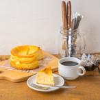 "kawara cafeの""しっとりレア仕立てのベイクドチーズケーキ""【クッキー&チョコペン付】"