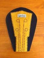 刺繍ウクレレヘッドカバー(GAZZLELE × kuisti)