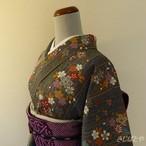 正絹綸子 グレーとベージュの桜柄の小紋 袷の着物