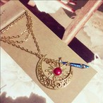 太陽の魔法使いと月の聖剣ネックレス