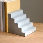 セメント階段ブックエンド