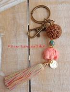 【ピンクの象さん】パプアインドネシア産の大粒7面★フック付きキーホルダー