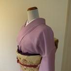 正絹綸子 葡萄色のぼかし 紋入り 袷の着物
