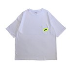 Tape Logo Big Silhouette Pocket T-shirts