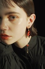 coral long earring / gold
