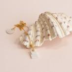 パリ発 白い陶器とゴールドチェーンのネックレス