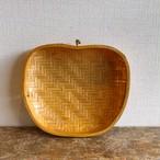りんごの竹編みトレイ