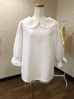 ホワイトとたっぷりギャザーが清潔感と上品さを演出する七分袖丸襟ブラウス 。一点もの パフスリーブ コットン100% 快適 エレガント 可愛い 真っ白 オールシーズン 通勤 通学