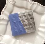 革の紫陽花色チョコ・二つ折り財布 (銀の包み紙)