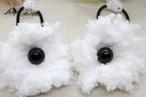 手編み まっ白ふわふわお花のヘアゴム