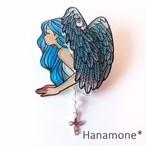 手描き〉ブローチ『Angel』  ブルーフェザー