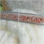 かせ糸:フェザー糸 ホワイト 1かせ240g~250g 光沢のある綺麗な糸です。 毛糸