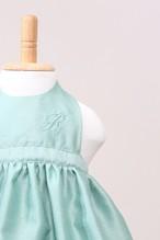 出産祝いはもちろん!ランチ会で注目のお姫様に♥ベビーエプロングリーン