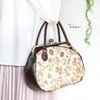 薔薇やスカビオサなどが華やかで上品に描かれたリバティプリント【Garden】を使ったがま口ボストン2wayバッグ