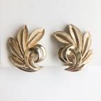 """Trifari"" gold leaf earring[e-1248] ヴィンテージイヤリング"