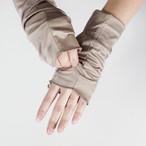 さりげなくウイルス対策できるUVケア手袋 アース(グレージュ) サッと伸ばして手先まで日差しから守る