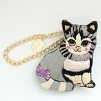 CHB1793/刺繍チャームブローチ 灰色猫