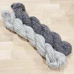 太めの並太 麻のような感触のウール毛糸(Poko40)