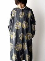 Marble Sud マーブルシュッド  ブーケ刺繍コートワンピース  グレー×白ストライプ×イエロー刺繍