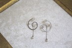 アコヤパールのうずまきピアス(Silver色)