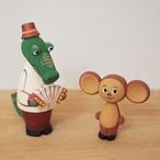 【ロシア】 チェブラーシカとゲーナ 木の人形セット