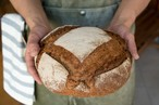 オーガニック全粒粉100% 自家製酵母のパン・オ・ルヴァン(プレーン)