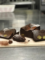とろけるチョコレートケーキ(栗入り)
