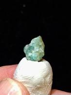 41) パライバ・トルマリン原石
