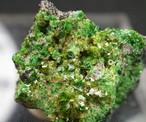 ウバロバイト クリノクロア クロマイト 灰クロム柘榴石 カリフォルニア産 3,3g UV014
