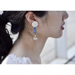 tiravisù【 80's white button _ french blue beads_earring 】vintage handmade イヤリング japan