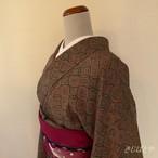 正絹綸子 グレーにカラフルな七宝の小紋 袷の着物