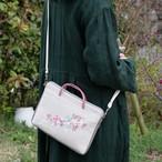 タブレットポーチ「流れ花 ピンク」ショルダーストラップ付 手刺繍 サコッシュ