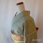 正絹紬 松葉色にモザイクのような小紋 単衣